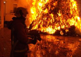 fireproof paint postpones the fire breaking