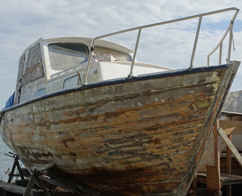 Remove antifouling safely with this handy guide